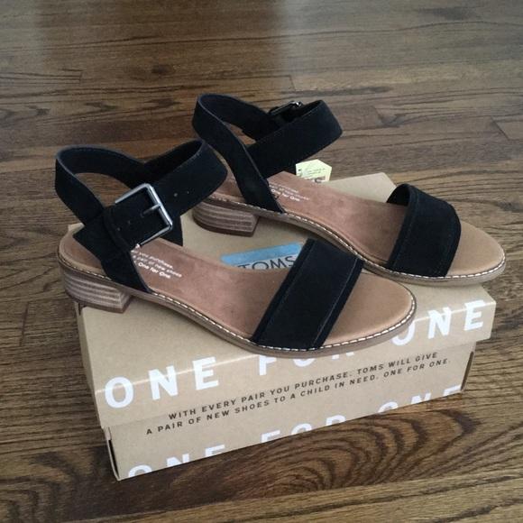 cfa6de5d779 NWT Toms Black Suede Camilia Block Heel Sandals